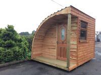 Glamping Hut/Log Cabin