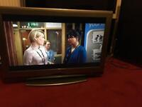 40 Inches SONY BRAVIA WITH REMOTE CONTROL IN PERFECT WORKING CONDITION
