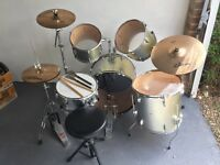 Drum Kit + Zildjian ZBT starter cymbals set