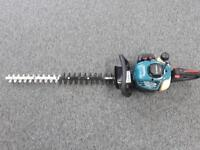 Makita Petrol Hedgecutter. Working.