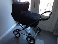 Silver Cross Sleepover Pram with matching car seat and Moses stand