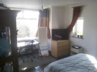 Large Double in Friendly Parkside House