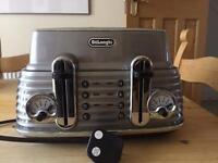 DeLondhi 4 piece toaster