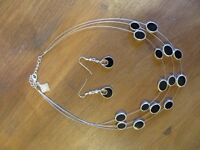 Elegant black necklace and earrings