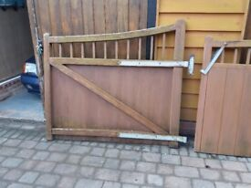 Set of 2 hardwood driveway gates with all ironmongery included.