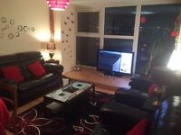 Double room 15 min to city centre Manchester, all bills including