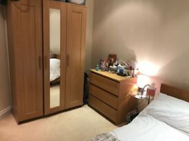 Double Room available in 2 bedroom flat in central Watford with own Bathroom