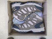 MENS HI TEC WALKING BOOTS UK 8 BRAND NEW