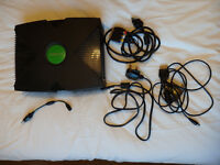 Xbox classic, 4 controllers and a game, Atari Anthology.