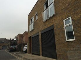 Commercial Retail / Warehouse A1 Plus Parking Approx 1000 Sq Ft