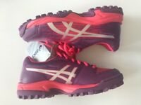 ASICS Girls' Gel Lethal Field 3 GS Girls' hockey boots - Size 1. **NEVER WORN**