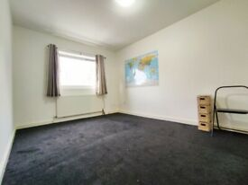 Large, spacious room in the heart of Upton Park, William Morley Close
