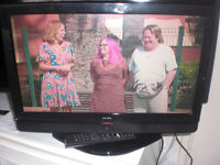 19in alba freeview television, has HDMI, stand and remote