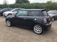 2007 MINI COOPER S MODEL PUSH BUTTON START IN GLEAMING BLACK LONG MOT 6 SPEED GRARBOX SUPER CAR