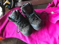 Walking/hiking boots