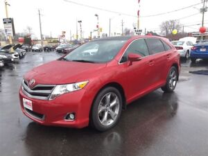2014 Toyota Venza XLE- PANORAMIC SUNROOF, REAR VIEW CAMERA