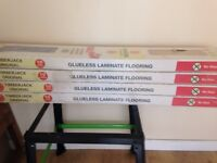4 packs laminate flooring