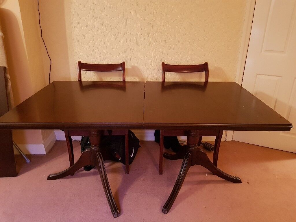 Large extendable Dining table with 6chairs