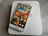 HTC 10 white 32 gig silver excellent condition open to all networks in box
