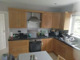 Solid Oak Kitchen and Appliances