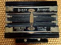 Diana Working Antique Accordeon Accordion