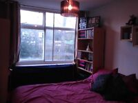 PUTNEY: Double room available in house with garden £565pcm