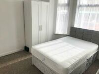Double room with Ensuite in house share