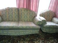 Buoyant three piece suite in good condition