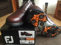 New in box Men's FootJoy golf shoes size 8
