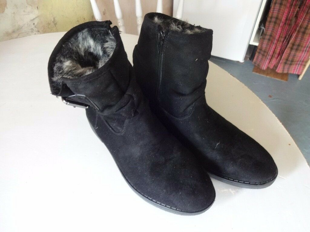short flat fur lined suede boots