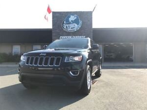 2016 Jeep Grand Cherokee CLEAN LAREDO! FINANCING AVAILABLE!