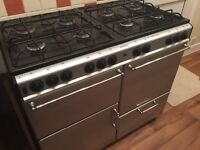 GOOD CONDITION RANGE GAS COOKER ONLY £300 WITH 8 HOBS, GRILL, 2 OVENS AND A GRIDDLE