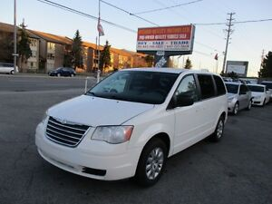 2009 Chrysler Town & Country LX,Poor sliding doors ,Heated seats