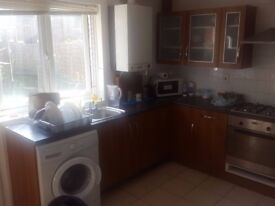 Large room to rent in 4 bed house close to Kings Cross
