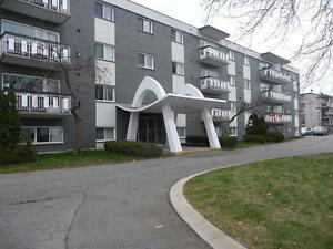 Sault Ste. Marie 2 Bedroom Apartment for Rent: Balcony, parking