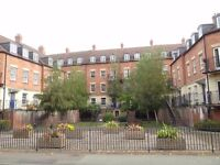 A double room to rent, set within a two double bed flat within 1/2 mile of Shrewsbury town centre