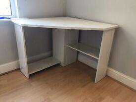 Corner desk, very good condition