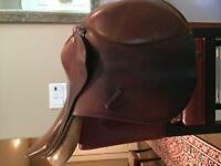 For sale 16.5 Collegiate saddle