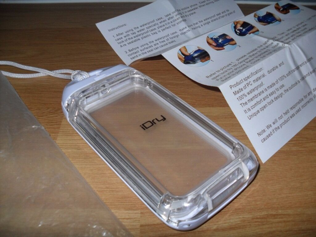 iDry Water Proof Phone CaseSuitable for iPhone 4 4SWhiteUsed Great Working Conditionin Calcot, BerkshireGumtree - Includes the original packaging and instructions; great item to protect phone able to use underwater or wet conditions. Only selling as owner has changed phones due to upgrade. Original price was triple the listing price. ~Features~ The product(s)...