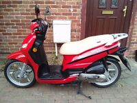 2016 Peugeot Tweet 50 automatic scooter, nearly new bike, 7 months old, only done 600 miles,,,,