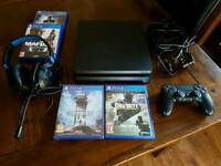 Ps4 slim with games and gaming headset