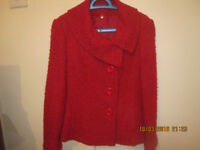 Very warm nice red blazer, with 5 buttons, in excellent condition, size 10, � 5