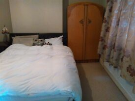 Lovely double room for rent, inclu. a full set of Art Deco style furniture & All Bills