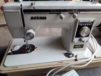 Vintage Sewing Machine. Good Condition