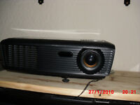 OPTOMA LCD PROJECTOR
