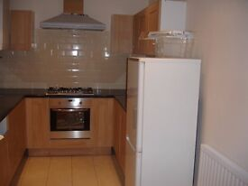 3 BED House - Clean Spacious Close to Newsome Village Shops £595pcm