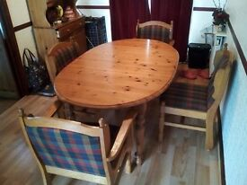 DinningTable Extending Oval Solid Pine with 4 upholstered Oak Chairs