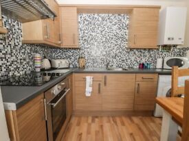 2 bedroomed holiday let apartment/flat to rent over xmas and new year - 2 bedrooms plus sofa bed