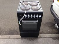 Electric cooker good condition comes with connection wire.
