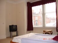 Peterborough city center park road luxury furnished double room one min walk from TESCO & library.